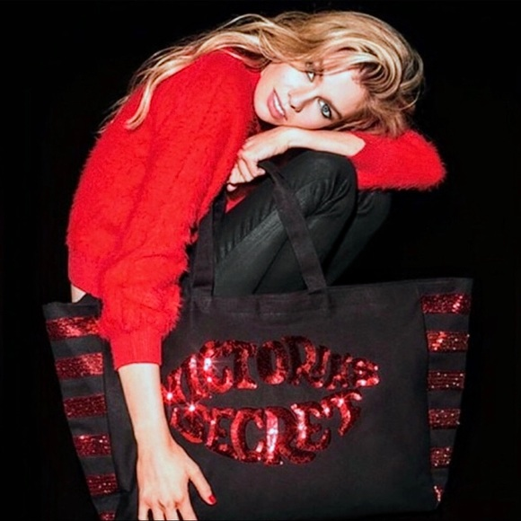 Victoria's Secret Weekender Bag, Lips in Sequins